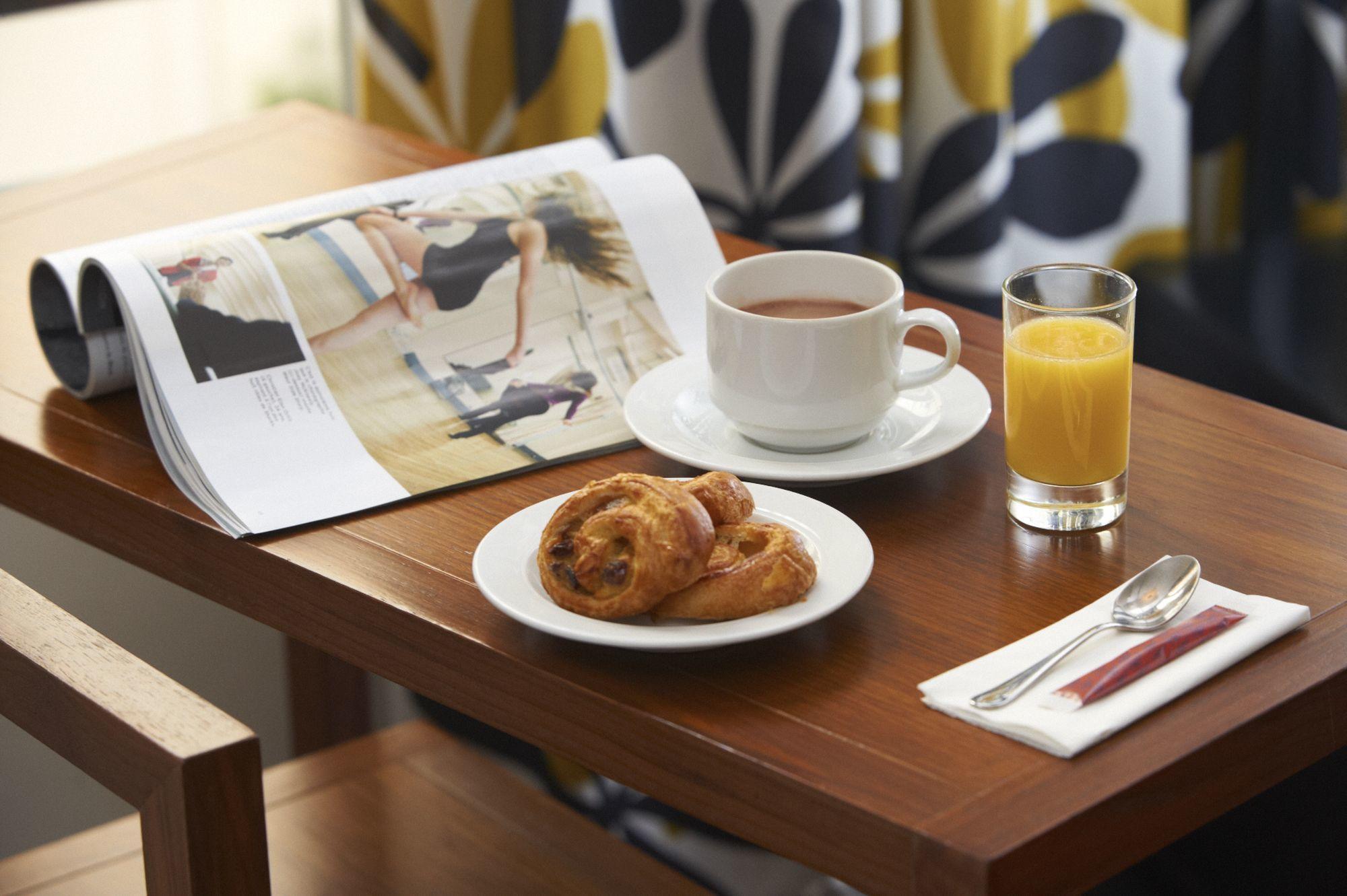 9 hotel opera paris petit dejeuner express 4