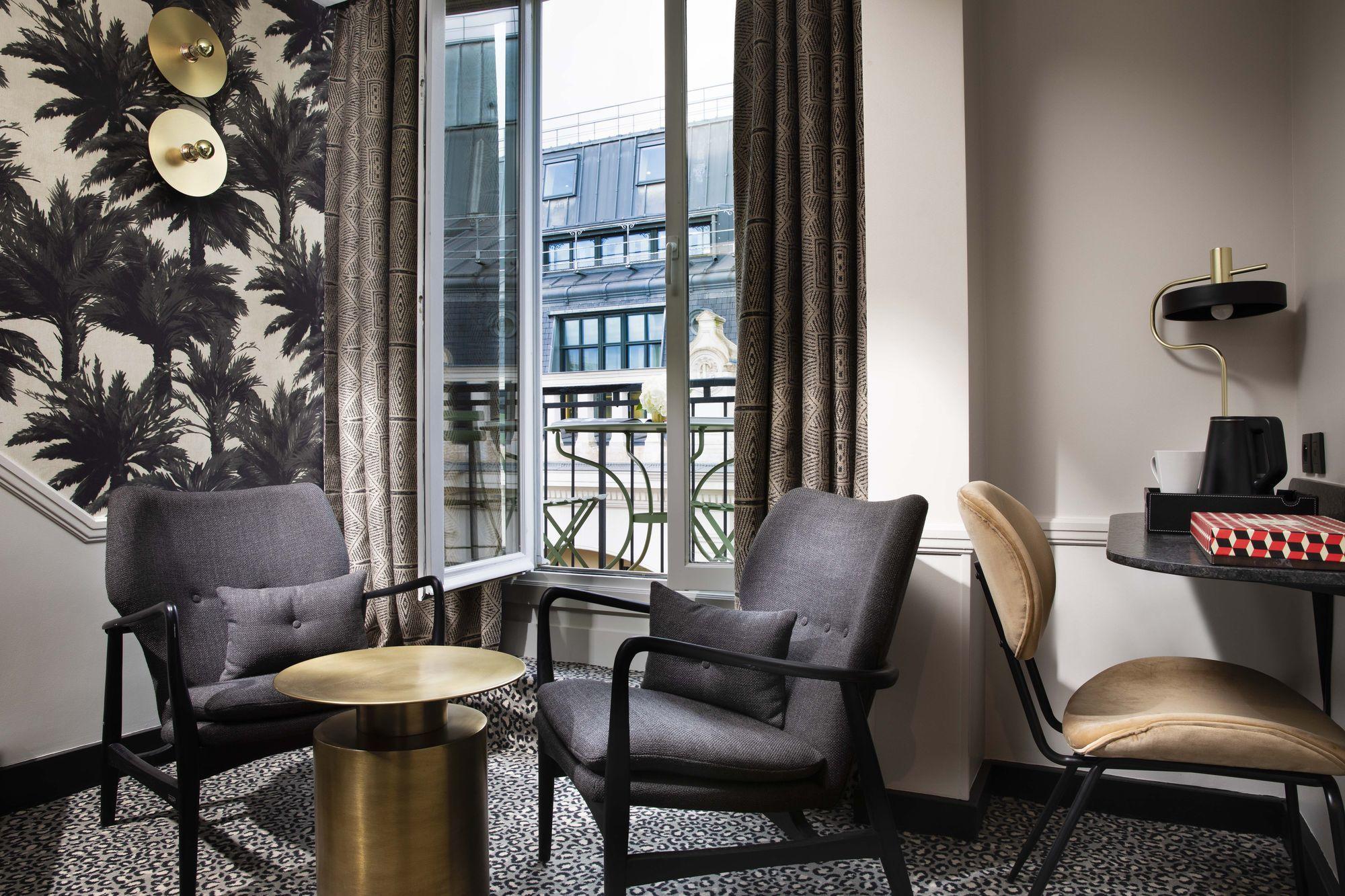 hotel suite with terrace - paris center
