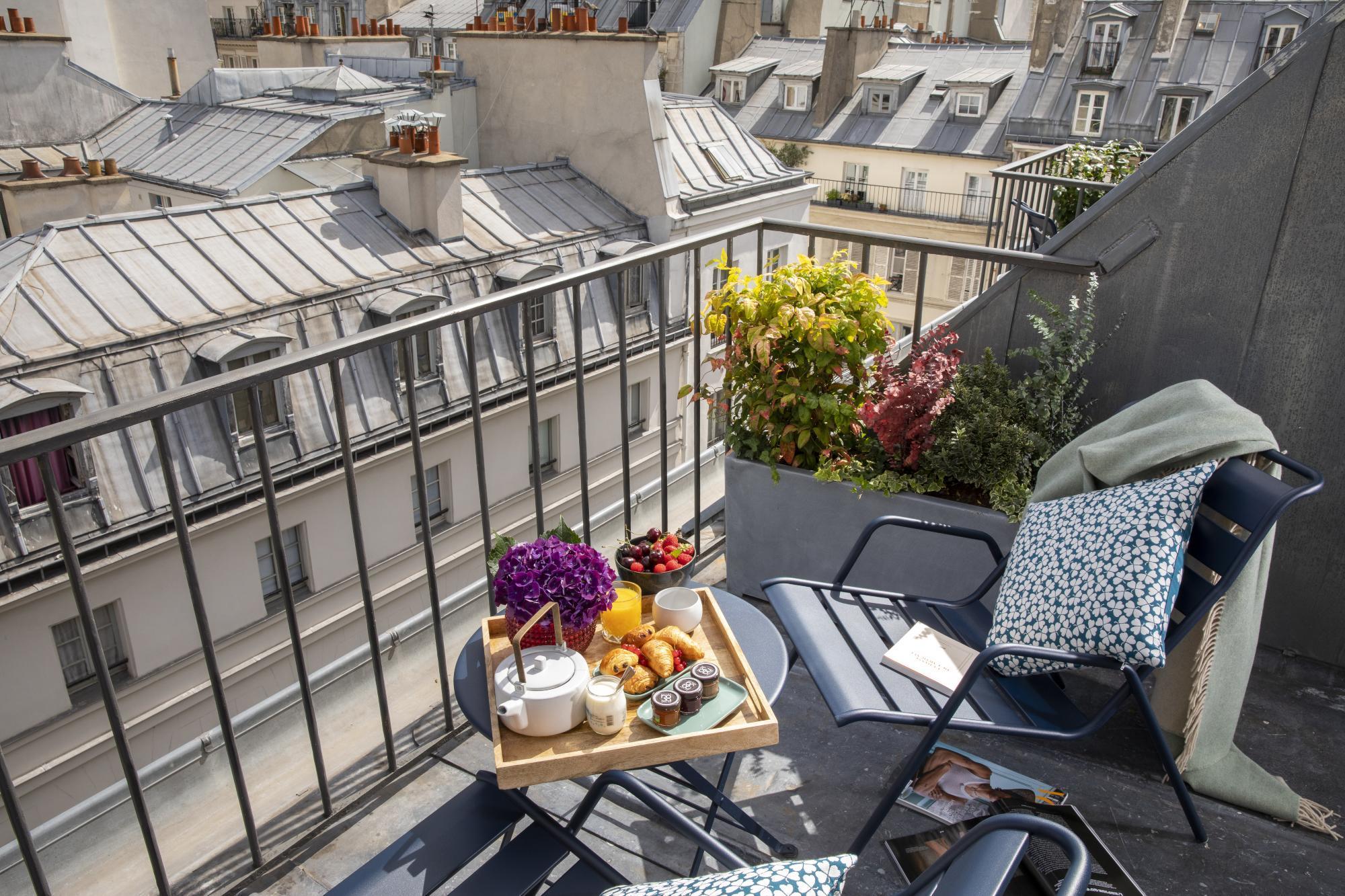 Hotel Les Matins de Paris Offers Packages Breakfast