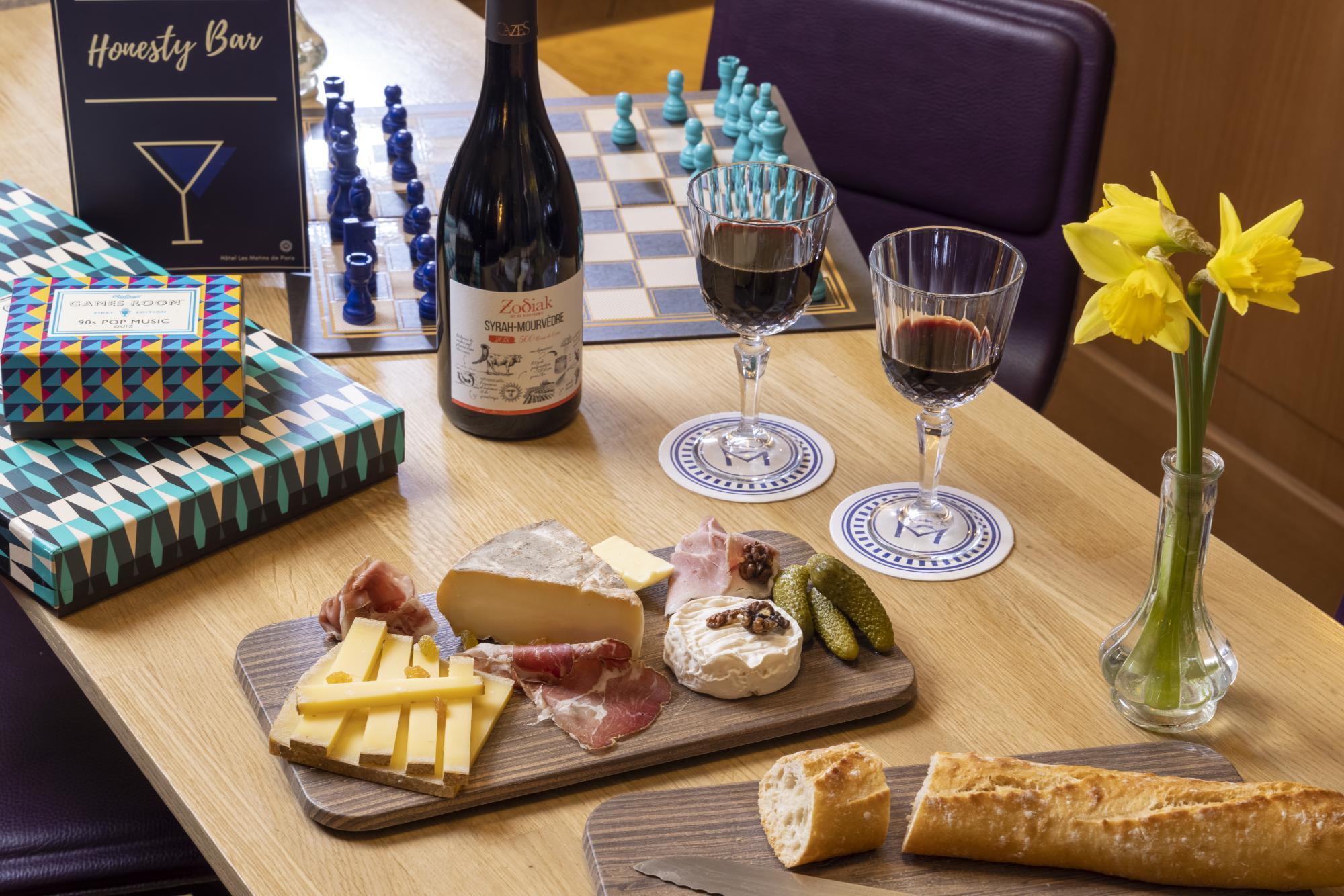 Hotel Les Matins de Paris Room Service