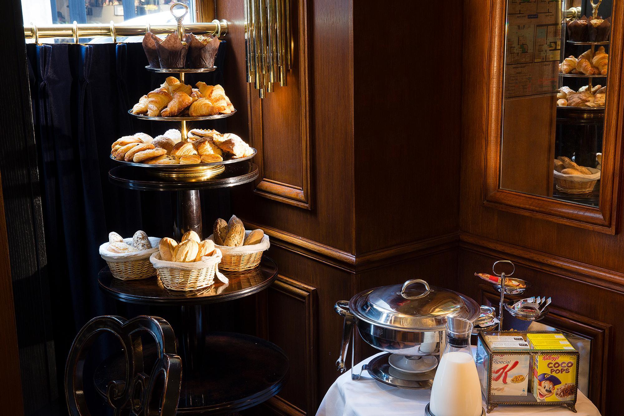 Hotel Da Vinci Breakfast buffet