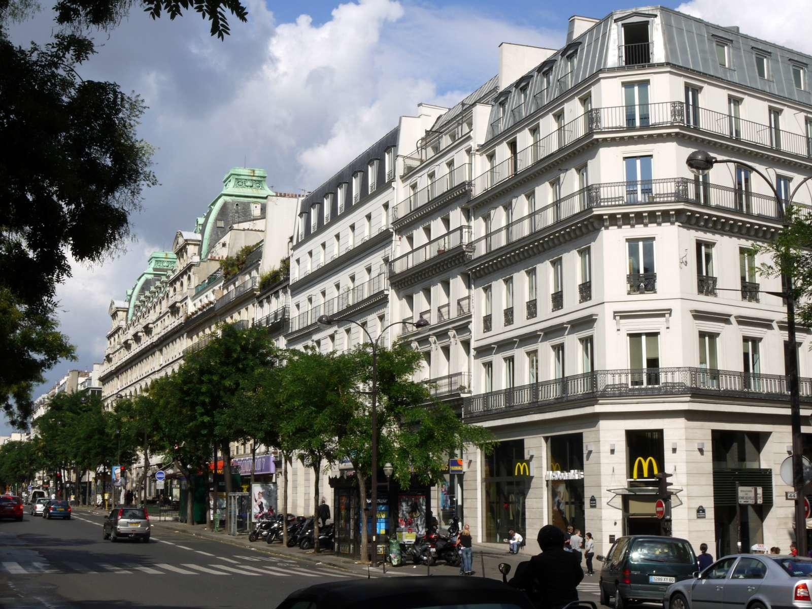 grands boulevards pres 9 hotel opera paris