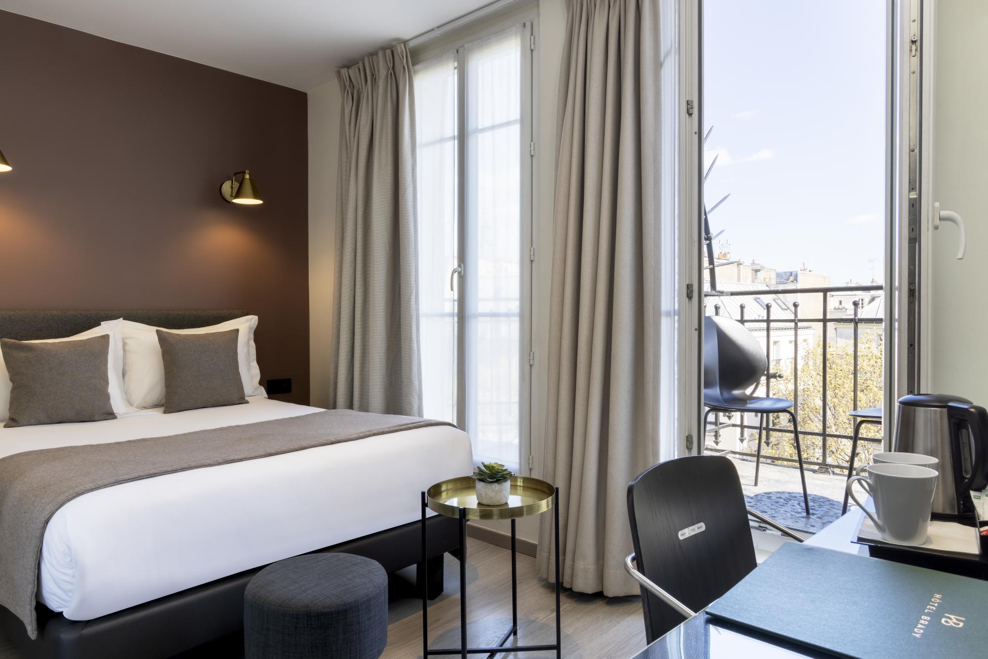 Hotel Brady Superior Room Balcony