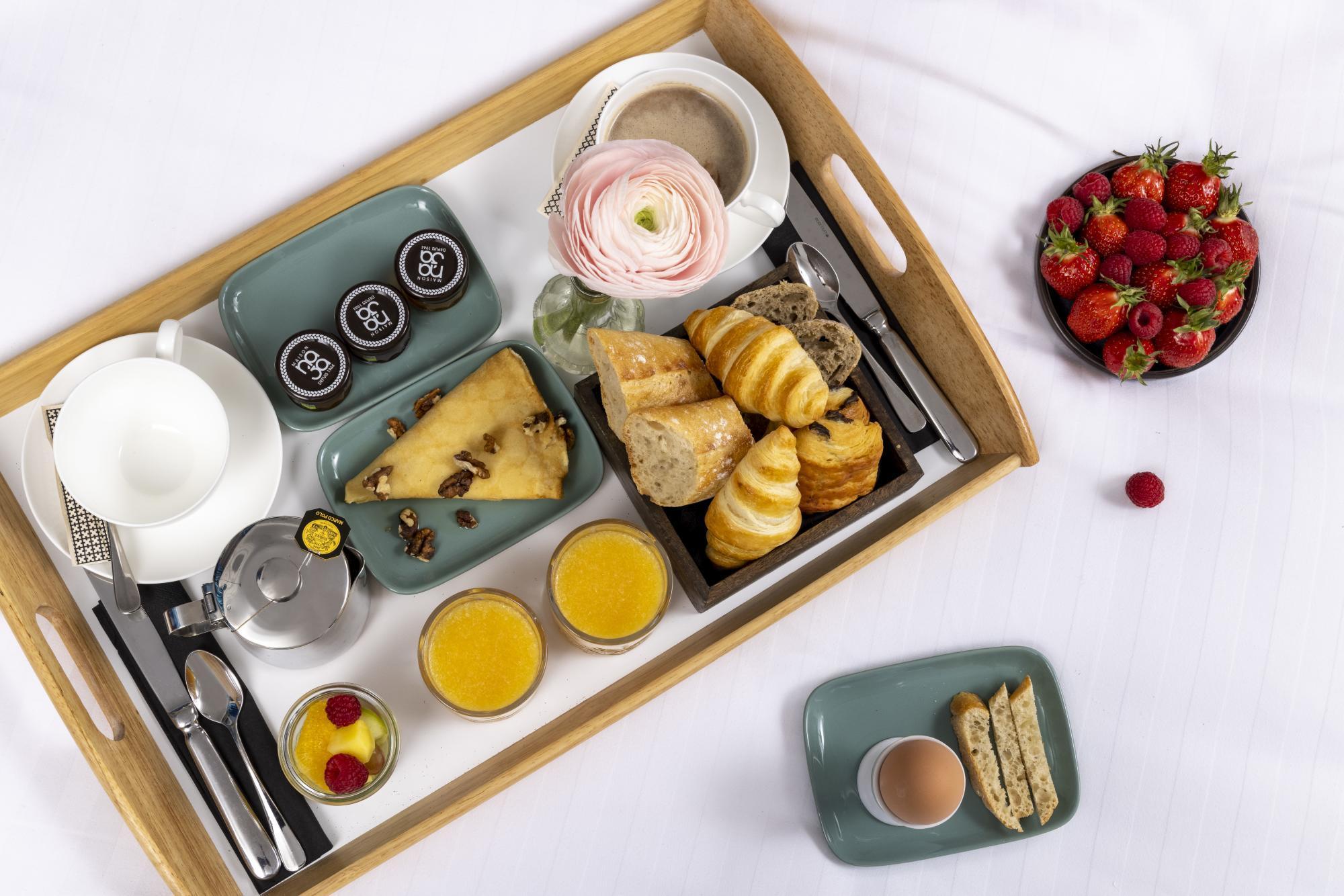Hotel Les Matins de Paris Breakfast