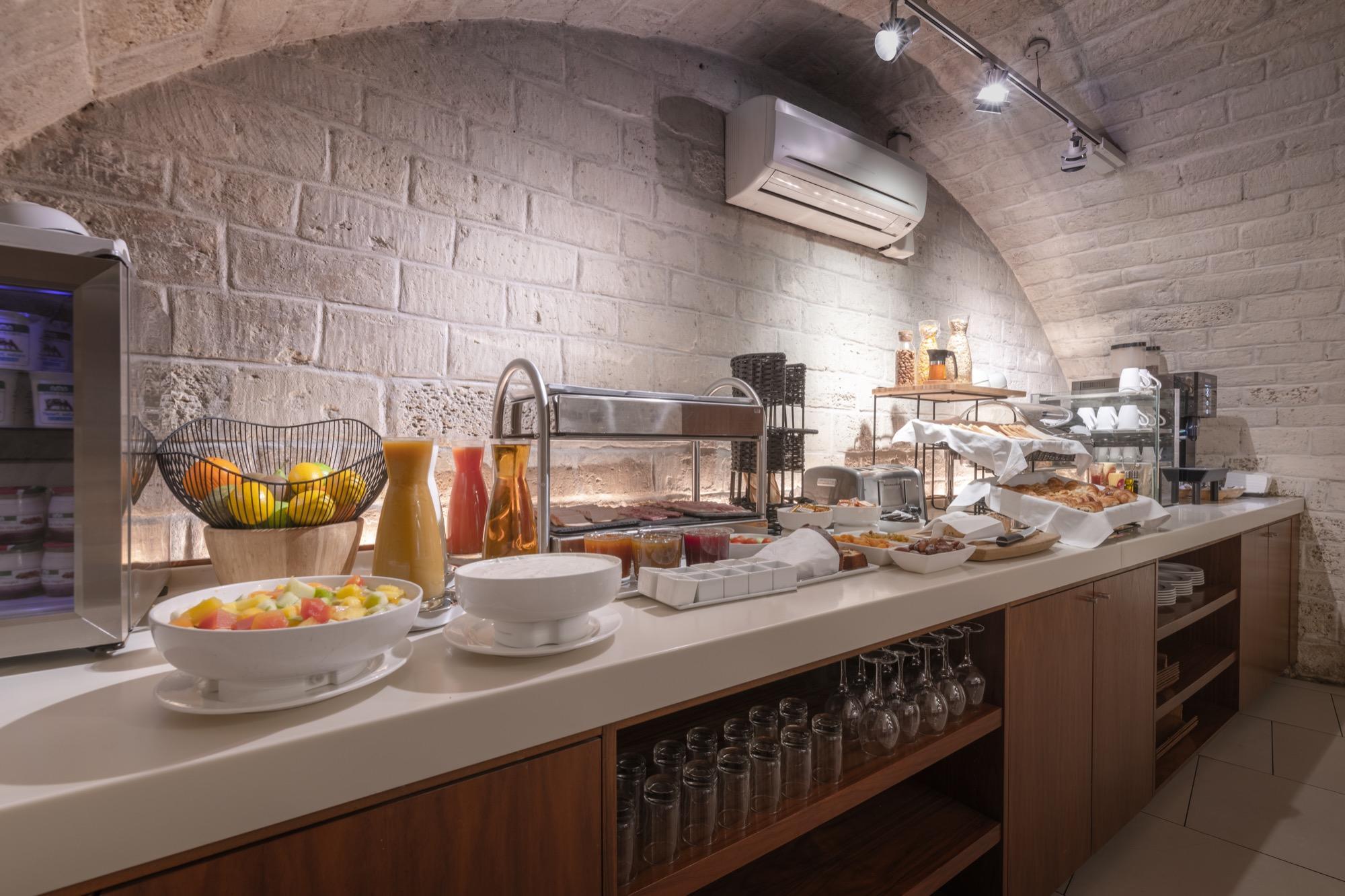 9 hotel opera paris petit dejeuner express