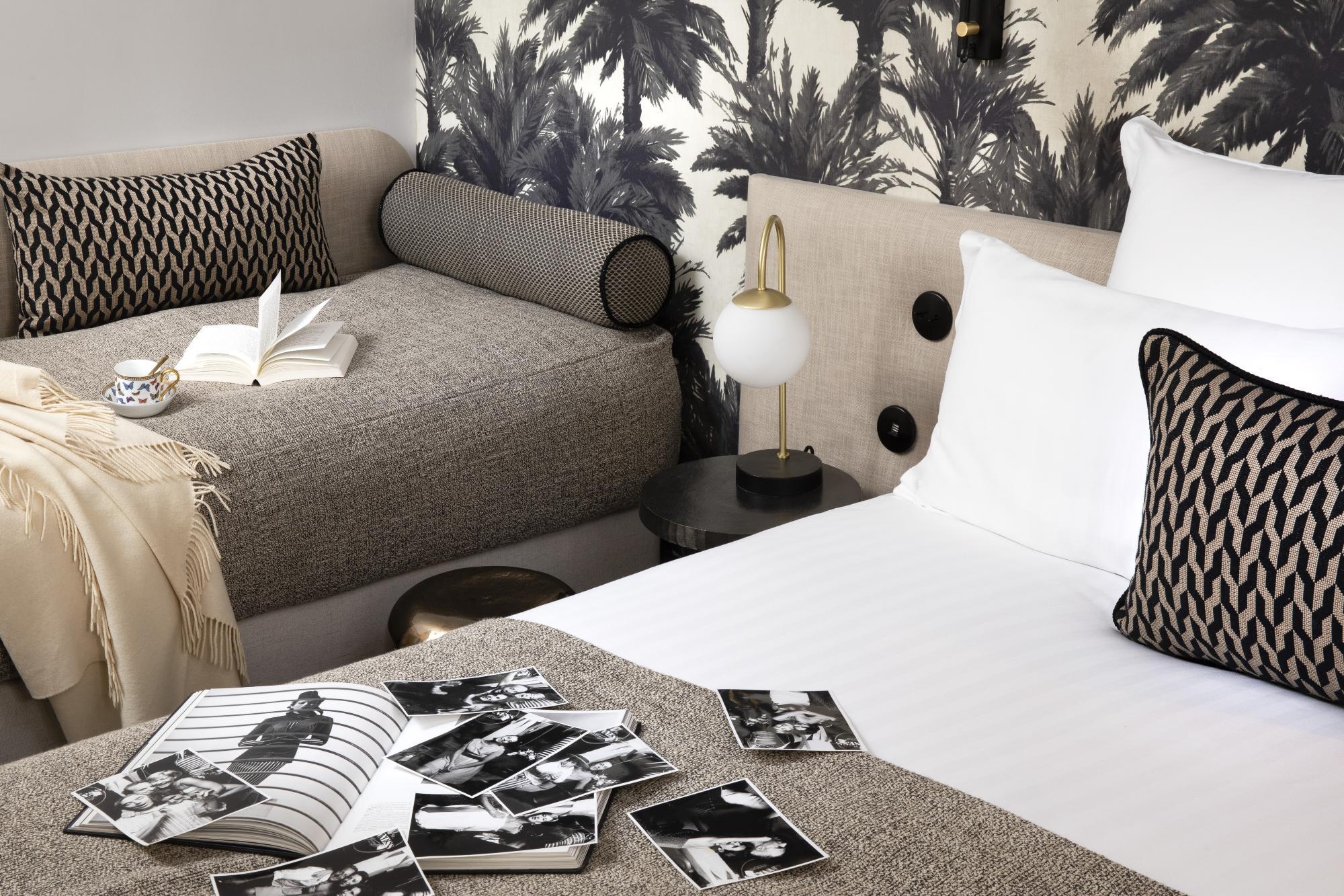 Triple hotel room near paris opera