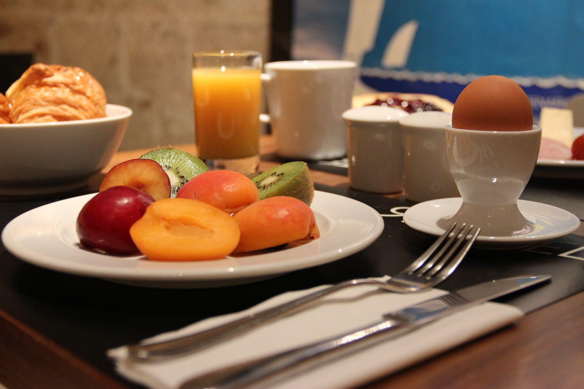 9 hotel opera paris petit dejeuner complet